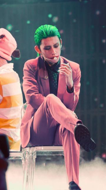 小鬼王琳凯cosplay《蝙蝠侠》小丑酷炫写真