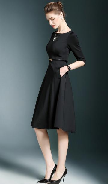 法莎尼亚轻奢品牌新款修身小黑裙