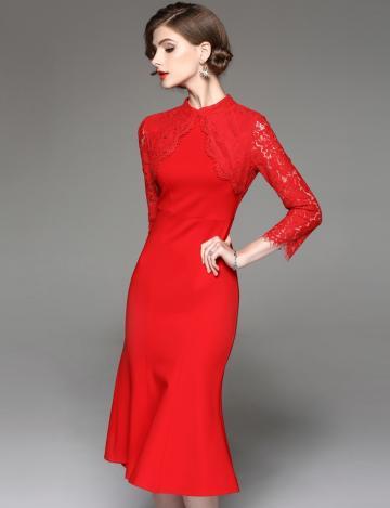 新款时尚修身大气简约的新娘礼服
