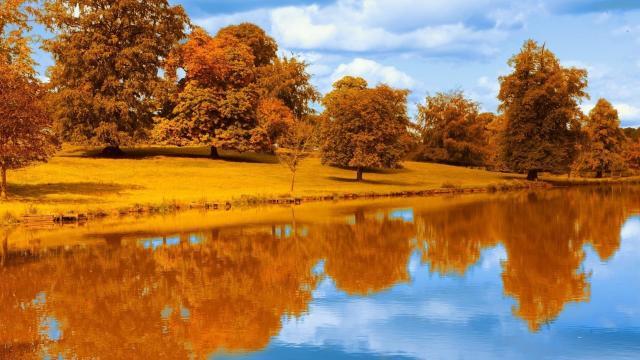 唯美湖泊一年四季不同风光