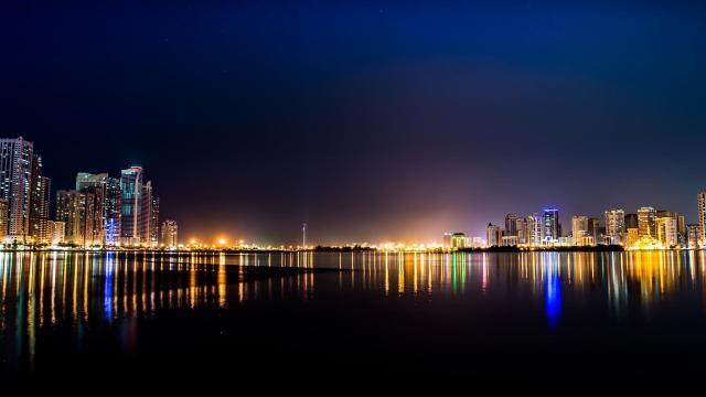 璀璨又绚丽多彩的繁华城市夜景