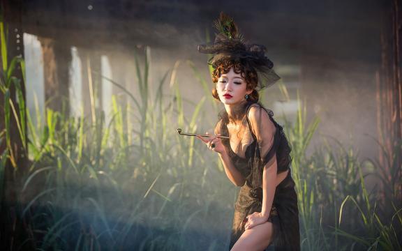 优雅复古美女少妇黑色薄纱性感诱人写真