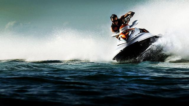 最刺激的水上竞速运动摩托艇