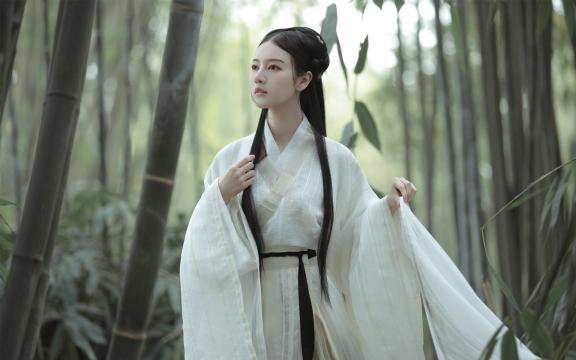 清纯小仙女竹林古装唯美写真