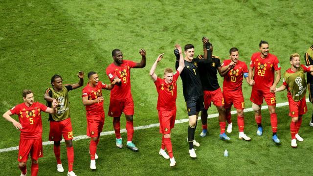 比利时庆祝击败巴西