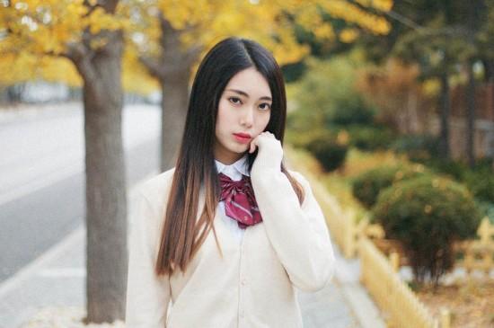 清纯学生秋天唯美写真