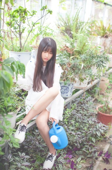 清纯美女园林写真