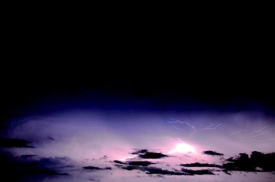 天空中的闪电