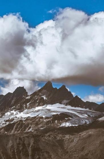 壮观的自然山峰迷人摄影图