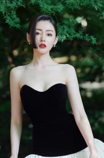 张天爱法式初恋长裙写真