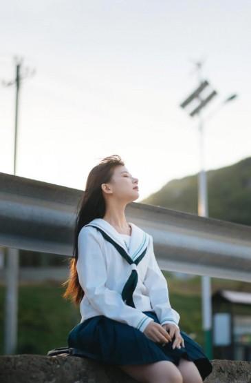 清纯可爱学生妹JK制服元气迷人写真