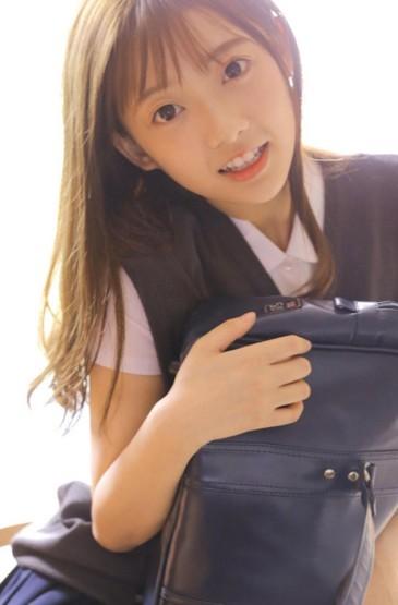 学生妹日系制服清纯迷人写真
