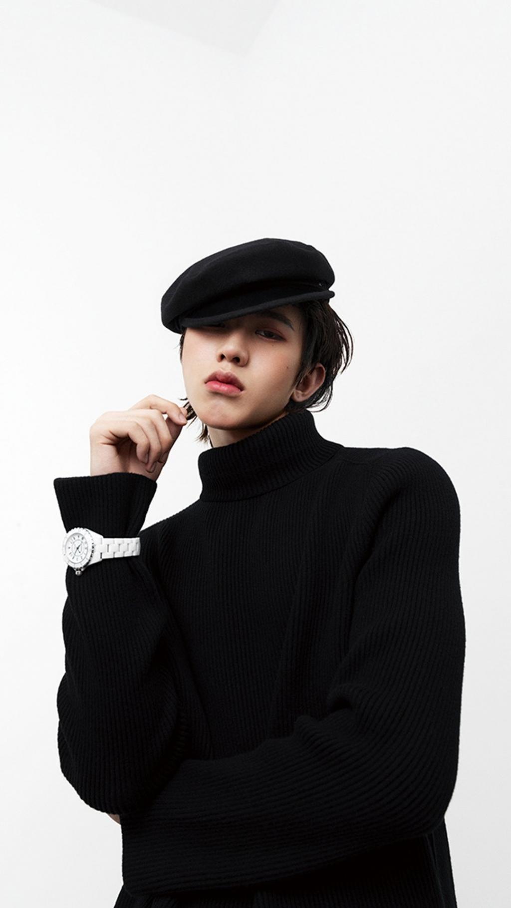 小鲜肉蔡徐坤时尚写真